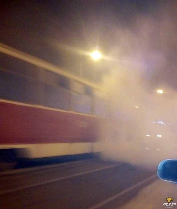 На Волочаевской загорелся трамвай № 14 (фото)