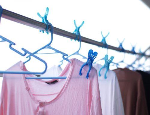 Глажка одежды над паром в ванной